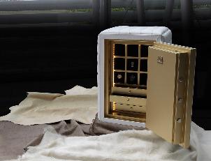 EXCLUSIVE SAFES Un mobile di alta sicurezza con un interno-lingotto